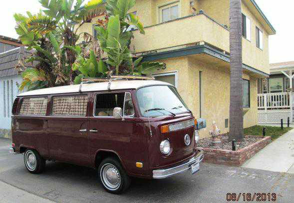 1973 Bay window surf Bus