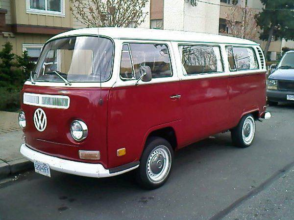 1971 VW Bay Window Passenger Bus