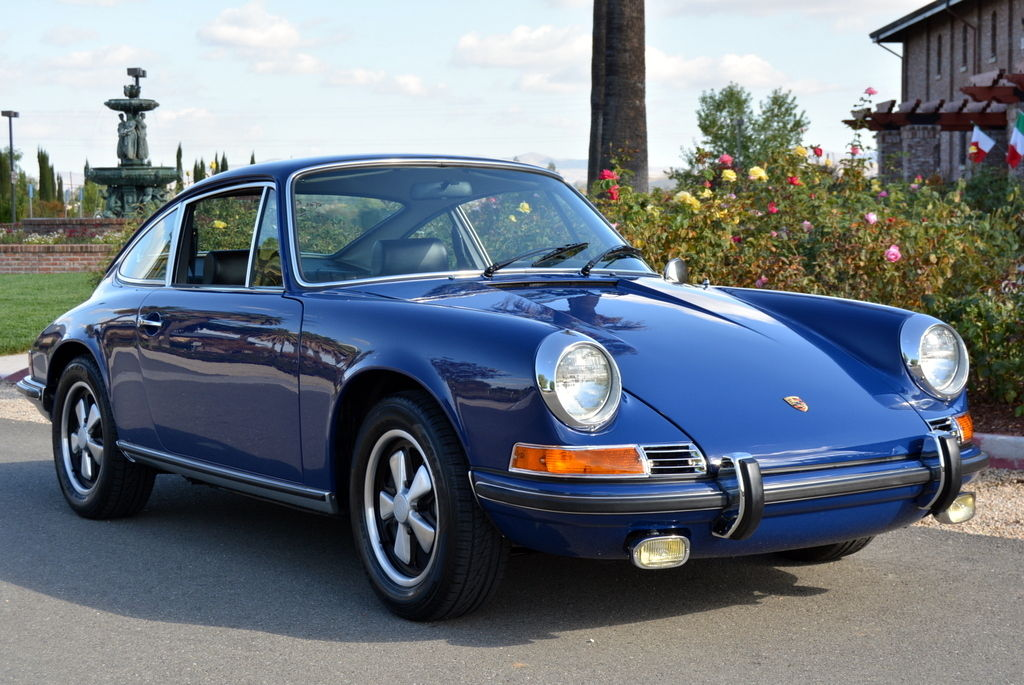 Blue 1970 Porsche 911E Coupe