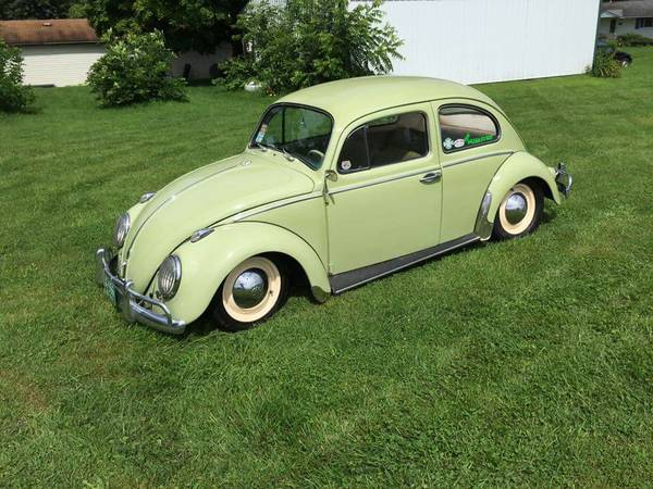 Lowered 1961 Volkswagen Beetle